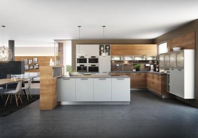 FM Küchen Modell Hammerleiten in den Farben Honigeiche und Sasso